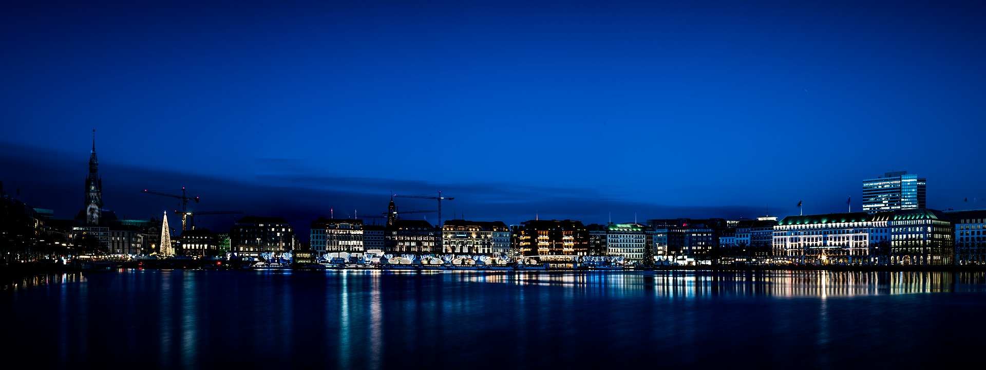 Hamburg at night
